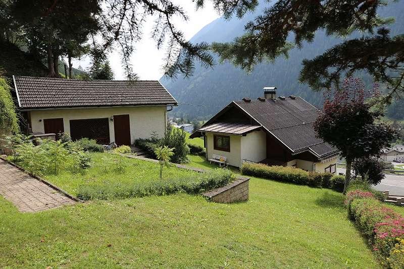 Haus achterkant - tuin - bijgebouw